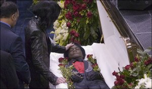 Ο Μάικλ Τζάκσον στην κηδεία του Τζέιμς Μπράουν