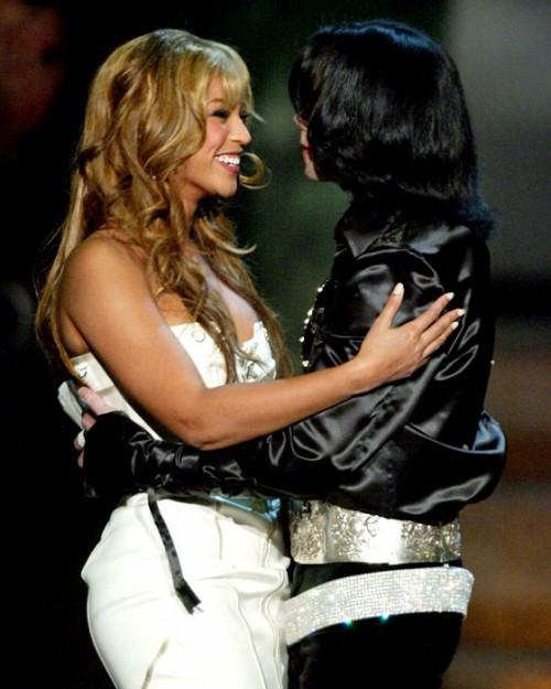 Beyonce-and-Michael-Jackson-Radio-Music-Awards-3