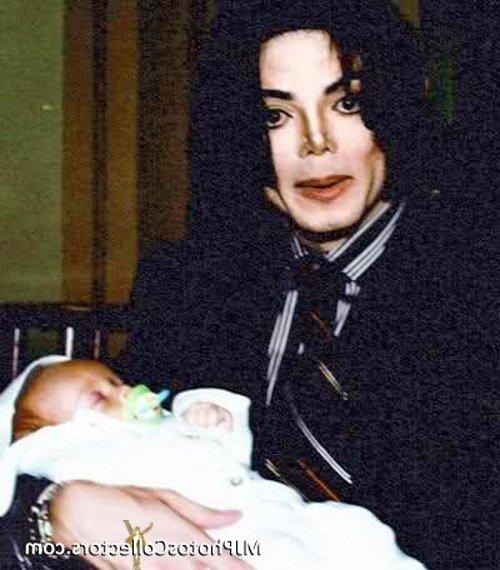 2002. Με το νεογέννητο γιο του Μπλάνκετ (Πρινς ΙΙ)