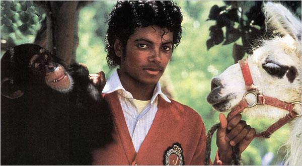 1984. Η αγάπη του Μάικλ Τζάκσον συνεχίζεται και μάλιστα με ζώα λιγότερο συνηθισμένα (καθόλου θα έλεγα) από τα κοινά κατοικίδια