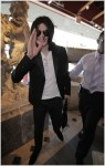 michael-jackson-shopping-2008