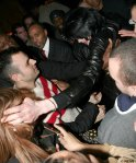 Michael-trying-to-give-hugs-michael-jackson-2007