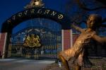 Neverland girl statue
