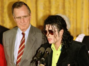 Michael Jackson in the White House 1992 (Point of Light Award)