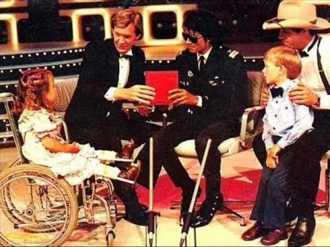 michael-jackson-little-girl-on-wheelchair