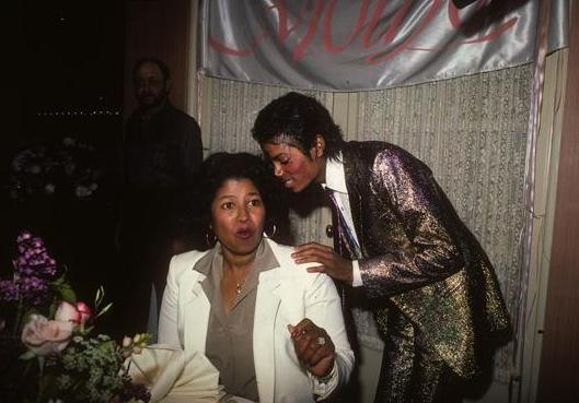 michael-jackson-and-mother-2