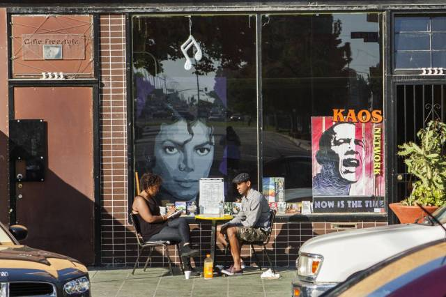 los-angeles-one_cafe-michael-jackson-obama-posters-kalmbach046