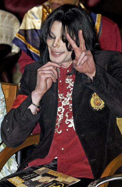 michael-jackson-humanitarian-award-2004