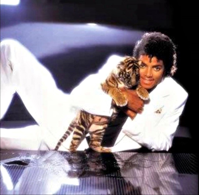 michael-jackson-michael-and-tiger-cub