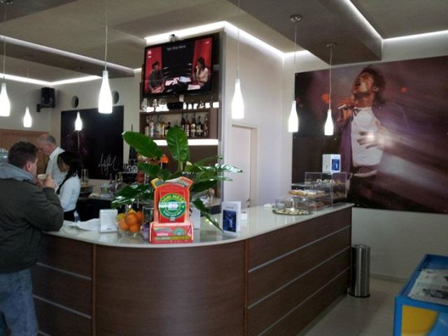 mj-cafe-italy-by-mj-fans-2